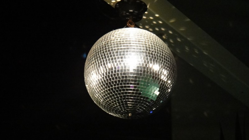 Discobal Met Licht : The ultimate guide to new years eve in san francisco eventbrite