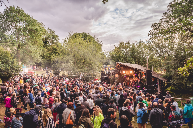 How KnockanStockan Drives Success with its Artist-First Approach