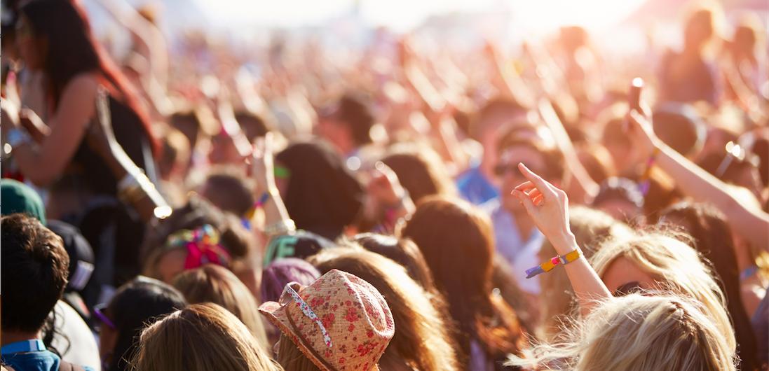 social-media-habits-festivals