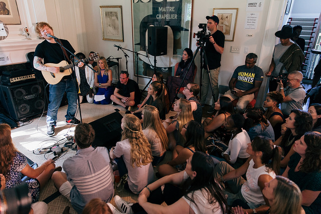 Join the Live Music Revolution...Host a Gig in Your Living Room ...